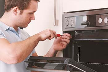 Our technicians are expert in Microwave Oven Repair. We do any Microwave Oven repair service, Microwave Oven not heating,Oven button not working properly.